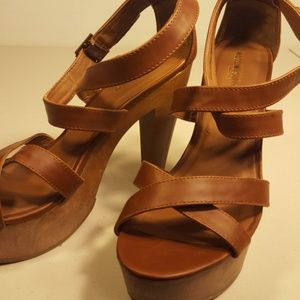 Mossimo Supply Co. Shoes - Size 8.5 Women's Shoes Mossimo Supply Co Tan nice